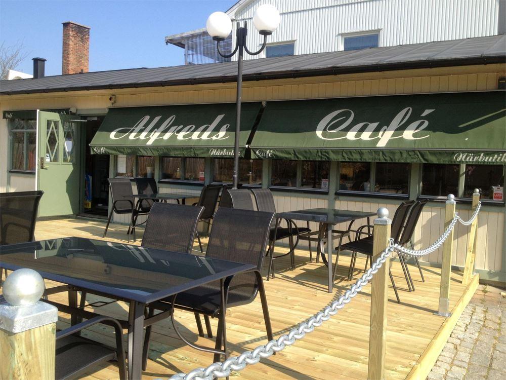 Alfreds café & pub