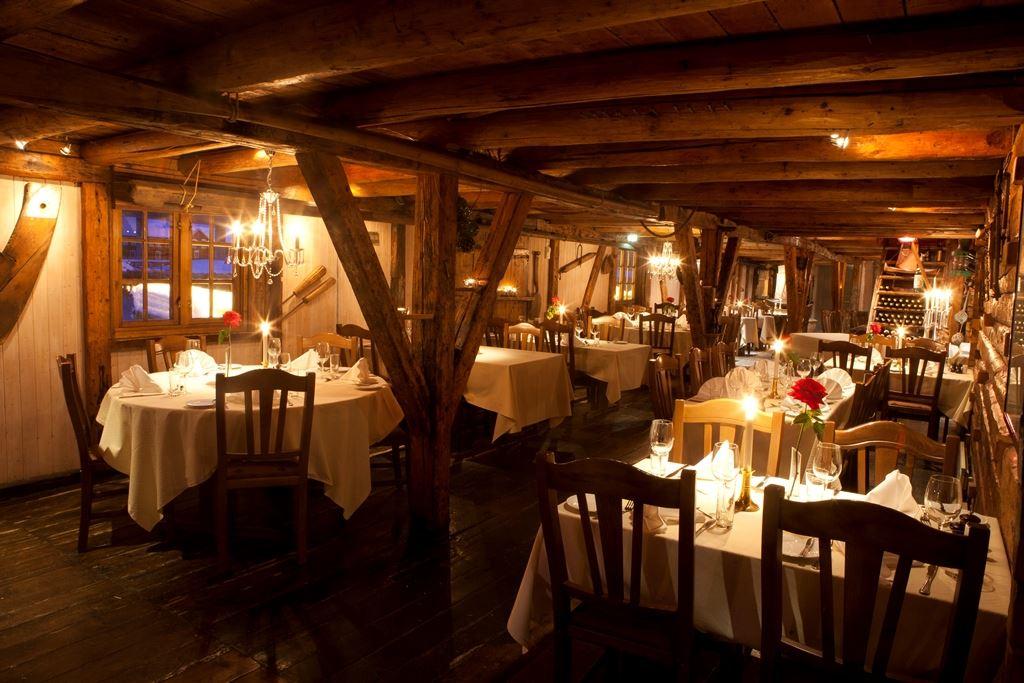 Johnny Mazilli, Restaurant Børsen Spiseri. Interior.