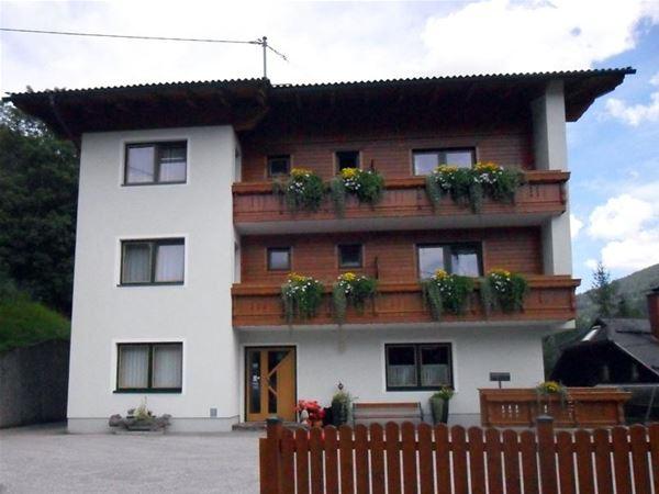 Pension Appartements Kmölnigerhof - Bad Kleinkirchheim