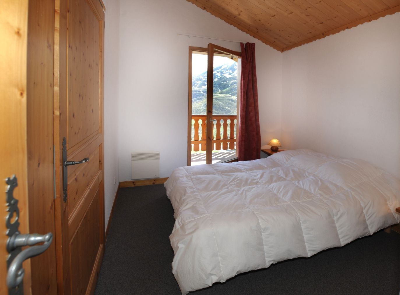 4 Rooms cabin 10/12 Pers ski-in ski-out / BOSSON 402