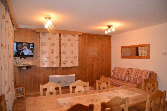 4 Rooms 6/8 Pers ski-in ski-out COURMAYEUR 321