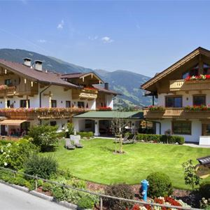 Hotel Garni Larcherhof - Mayrhofen