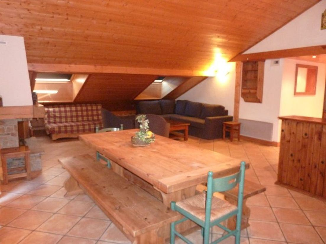6 Rooms 12 Pers ski-in ski-out / HAMEAU DES MARMOTTES C7