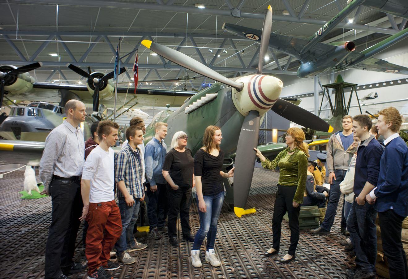 Ernst Furuhatt, Omvisning på Norsk Luftfartsmuseum