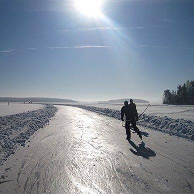 Long-distance skating on Storsjön