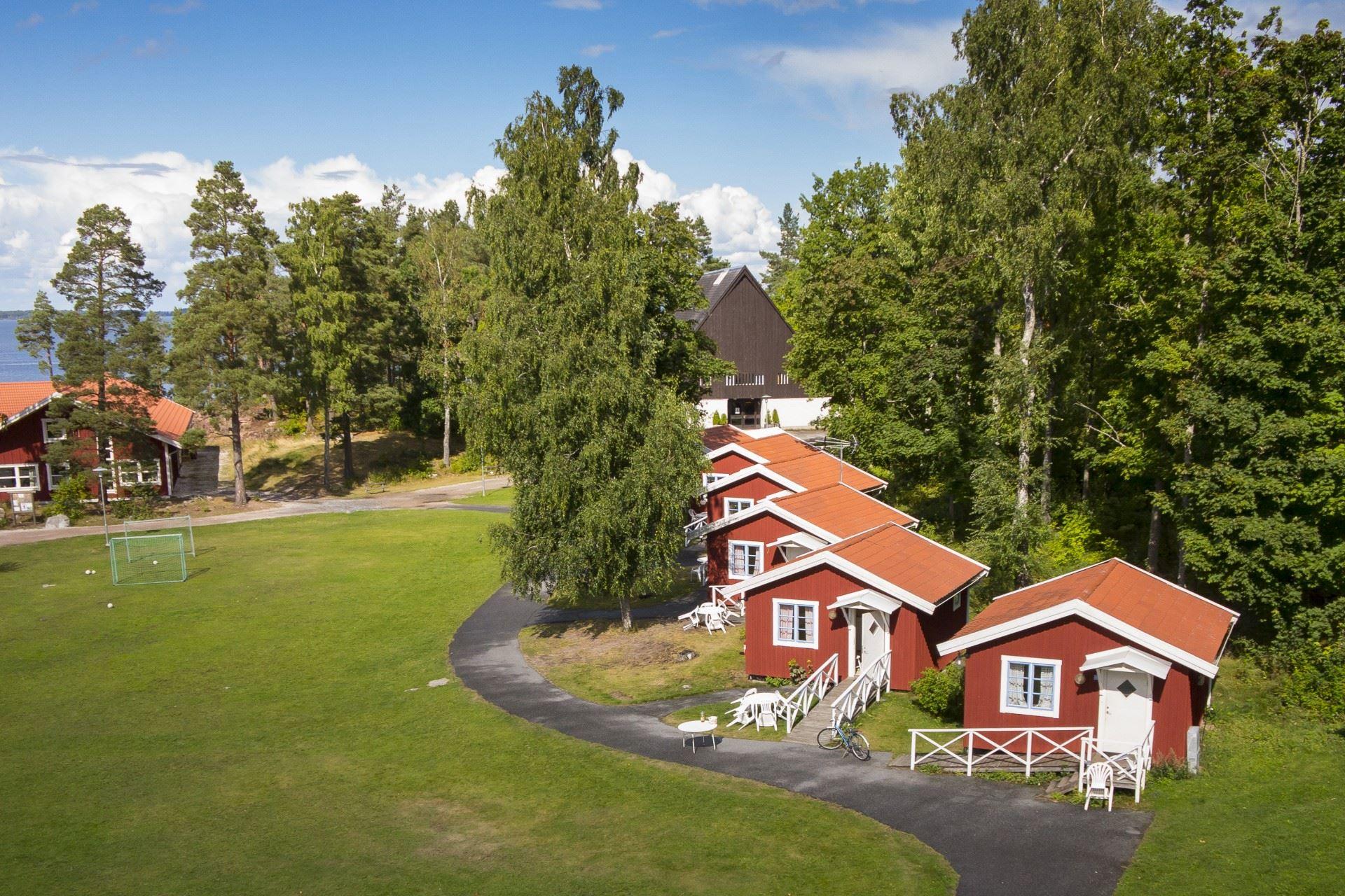 Hjälmargården & Läppe Camping/Stugor