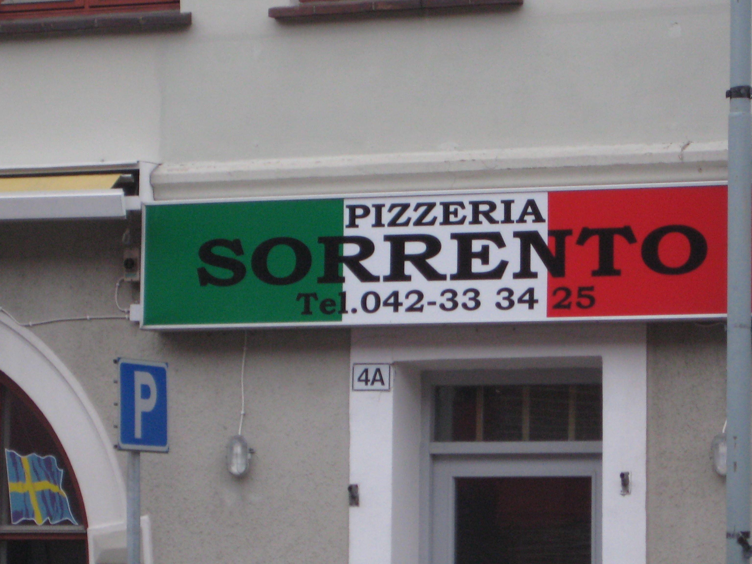 Jenny Rasmussen , Restaurang Pizzeria Sorrento