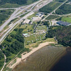 © Nordmalings kommun, Flygbild över camping