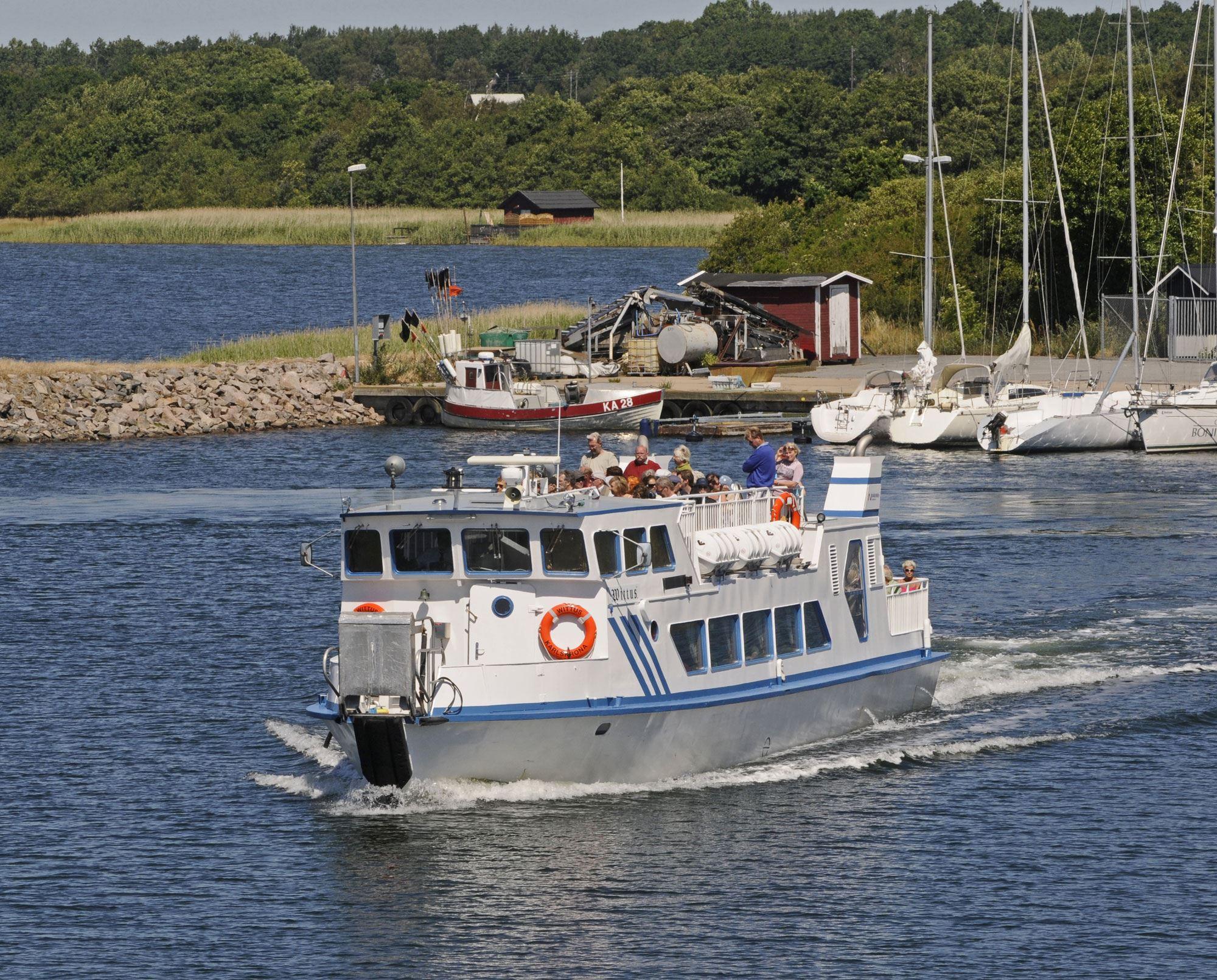 Archipelago boat tours - charter
