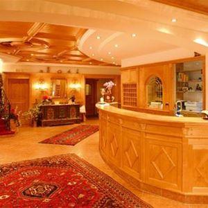 Hotel Dorfer Val Gardena