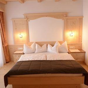 Sunela Garni Hotel & Apartments Val Gardena