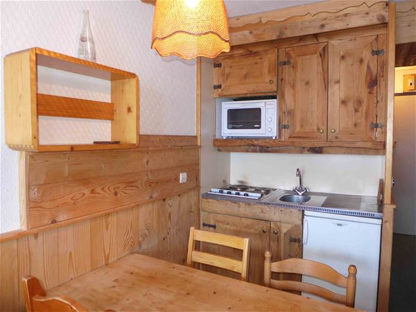 LAUZIERES 503 / APPARTEMENT 2 PIECES CABINE 5 PERSONNES standard
