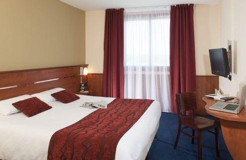 Brit Hotel Nantes Beaujoire - L'Amandine