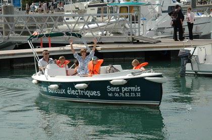 Ruban Vert au départ de Nantes - location de bateau électrique sans permis