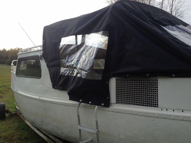 Bo på en flottarbåt, Tallbackens camping