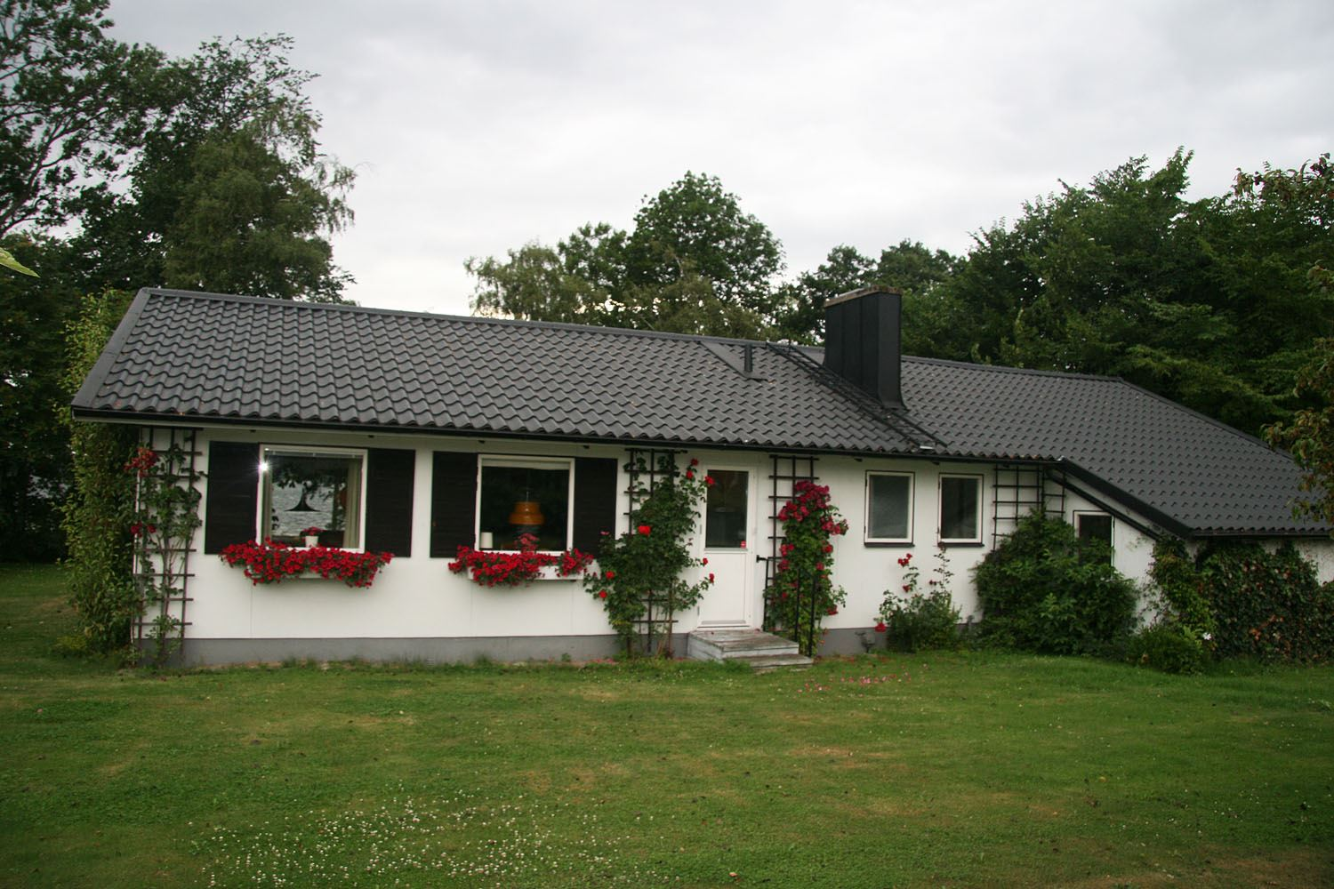 Magnus Ny, Villa at the beach of lake Ivösjön