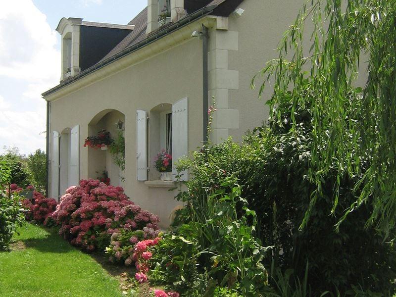 © Chambre d'hôtes les Hortensias Azay le Rideau, CHAMBRE D'HOTES LES HORTENSIAS AZAY-LE-RIDEAU