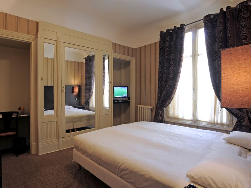 GRAND HOTEL TOURS