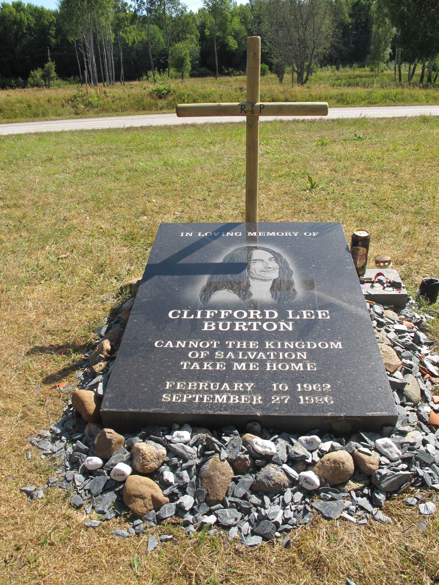 The memorial stone of Cliff Burton