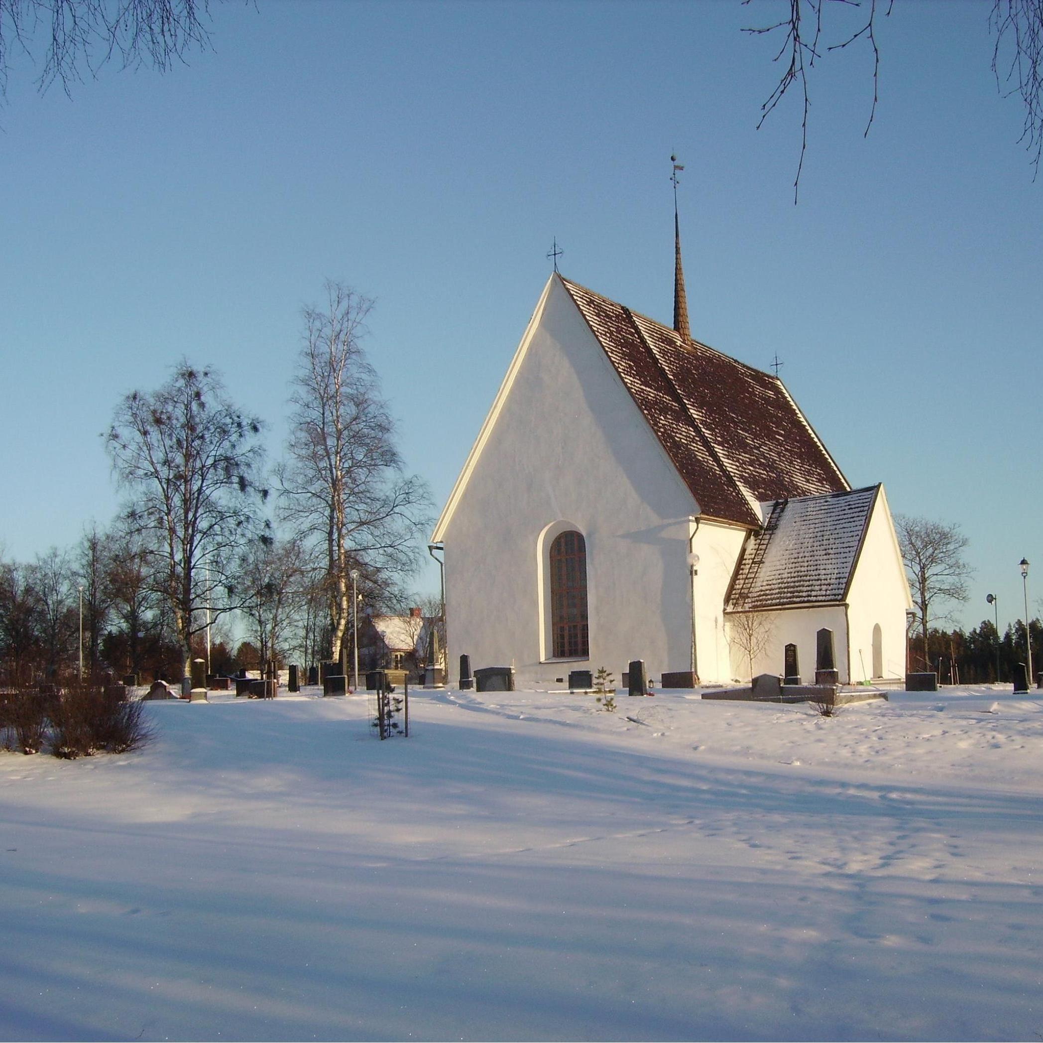 Foto: Grundsunda församling, Kyrka från 1200-talet.