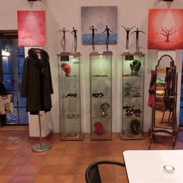Vadenhög Cafe & Crafts i Sandby