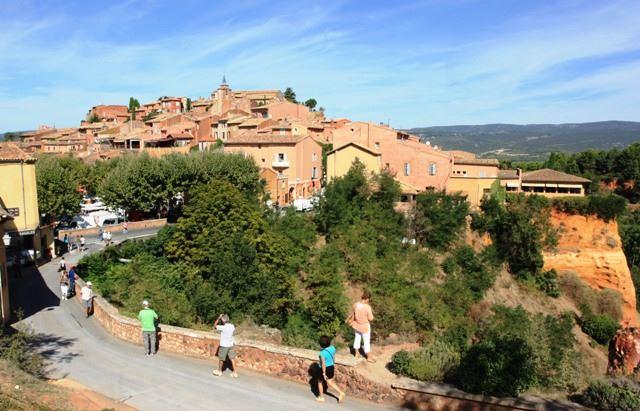"""2.Excursion """"Les Baux de Provence et le Luberon"""" le matin"""
