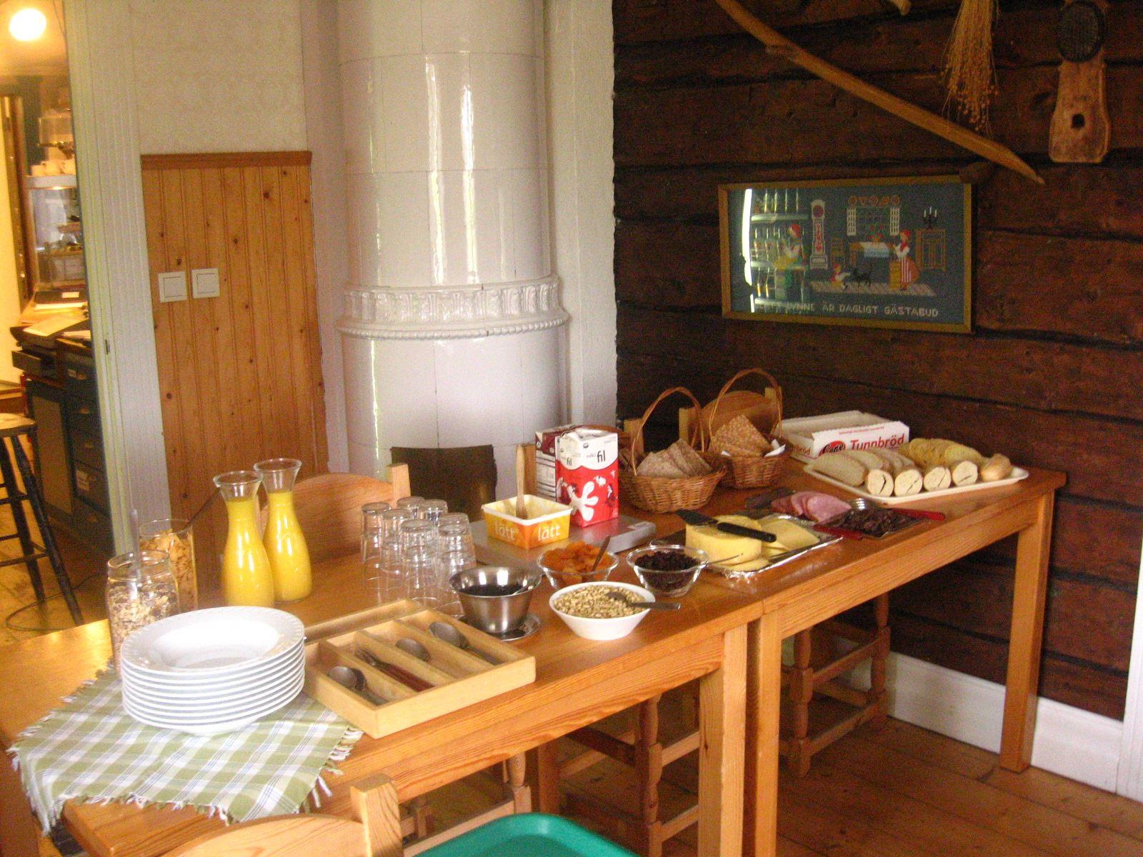 Frukostbuffé på Kustladan för boende och förbipasserande
