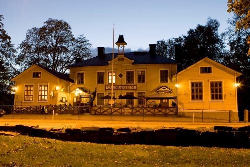 Kungälvs Vandrarhem - Våghals Turistcenter, SVIF