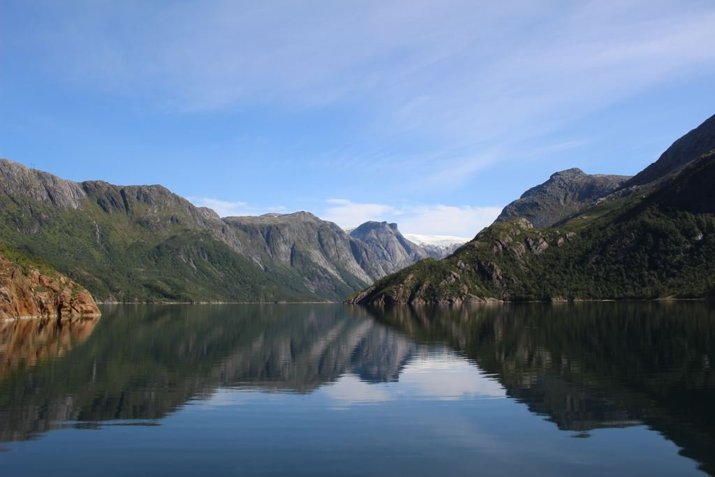 Experience Melfjorden and Nordfjorden by boat with PolarCamp Hilstad