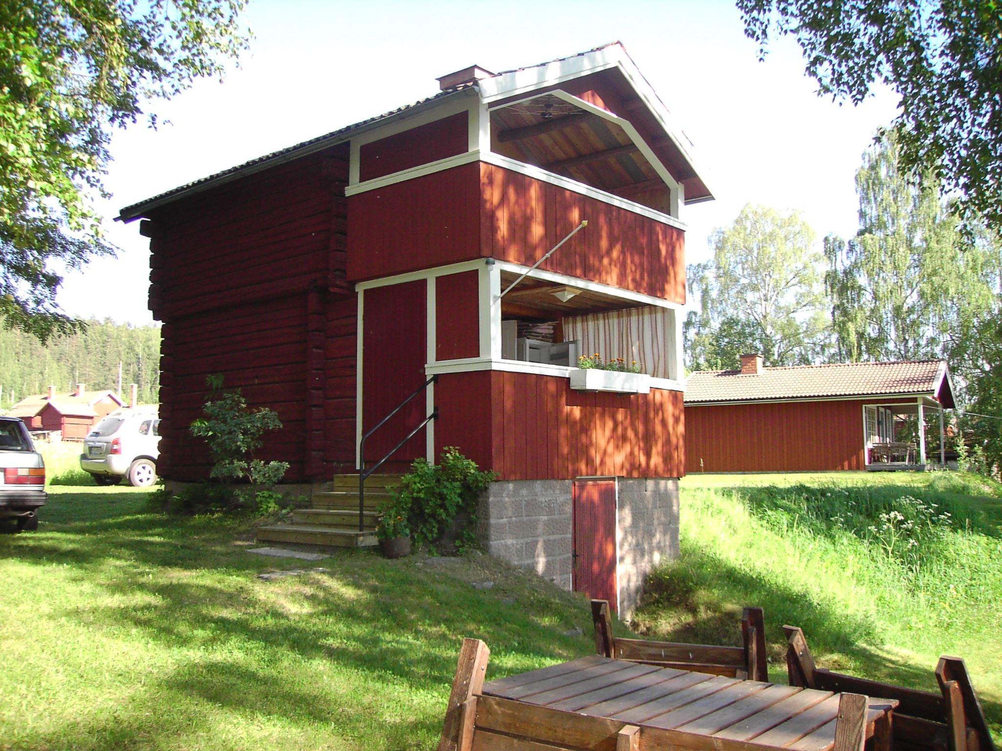 L401 Tibble, 2 km Ö Leksand