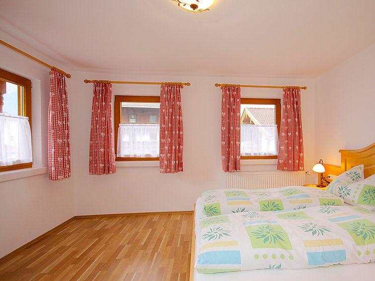 Feriehus Hauser for opp til 15 personer med 8 rom - Mayrhofen