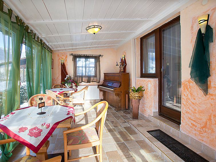 Lägenhet för upp till 15 personer med 8 rum på Ferienhaus Alpenroyal - Längenfeld