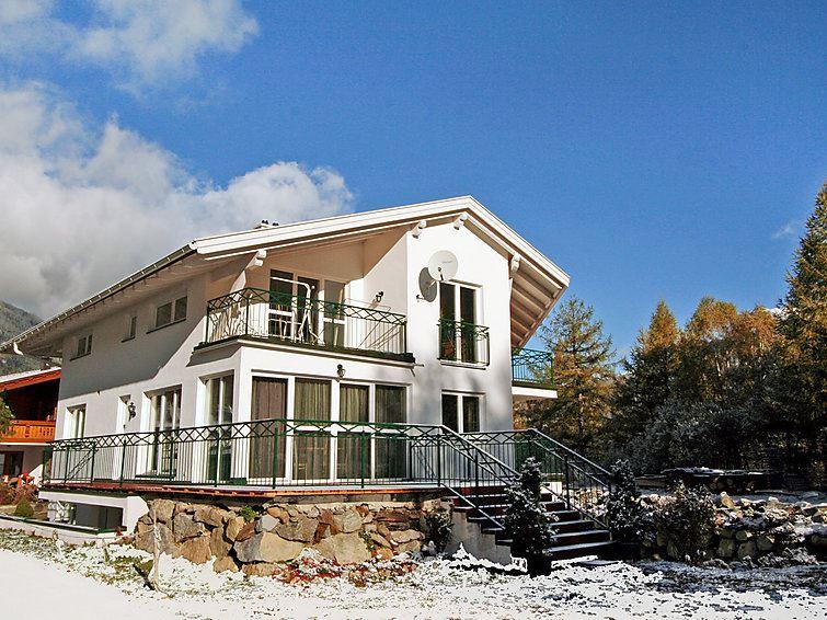 Lägenhet för upp till 15 personer med 8 rum på Alpenflora - Längenfeld