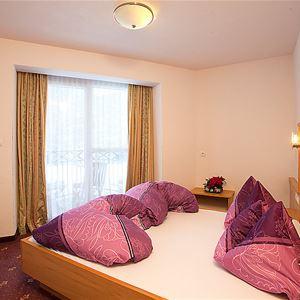 Leilighet for opp til 8 personer med 4 rom i Alpenflora - Langenfeld.