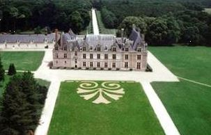 WINE AND CASTLES AROUND CHAMBORD ALL INCLUDED WITH LOIRE VALLEY TOURS