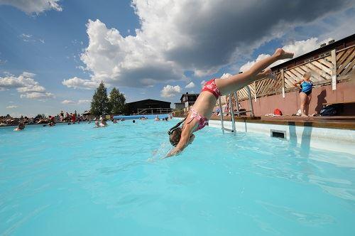 Nisse Schmidt, Utomhusbad/vattenrutschbana