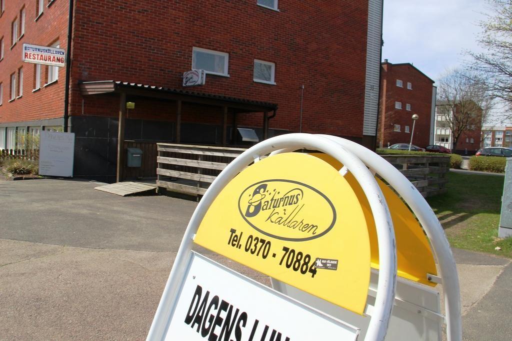 Saturnuskällaren restaurang & pizzeria i Skillingaryd