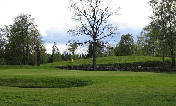 Älmhults Golfplatz, Äskya