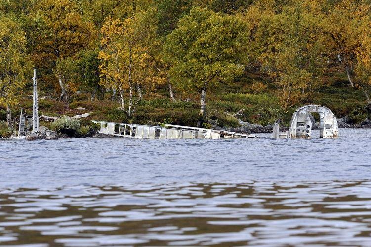 Nisse Schmidt, Flygplansvrak i sjön Grövelsjön