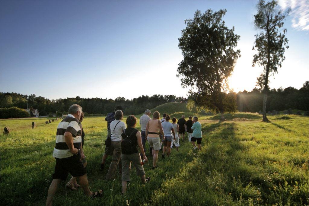 Anundshög - Historisk kvällsguidning