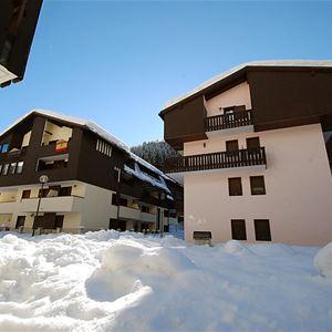 Lägenhet för upp till 4 personer med 2 rum på Des Alpes - Canazei