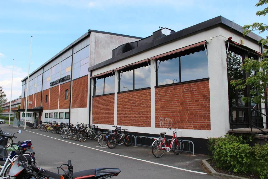 Vaggeryds kommun / Charlotta, Skillingaryds sim- & sporthall