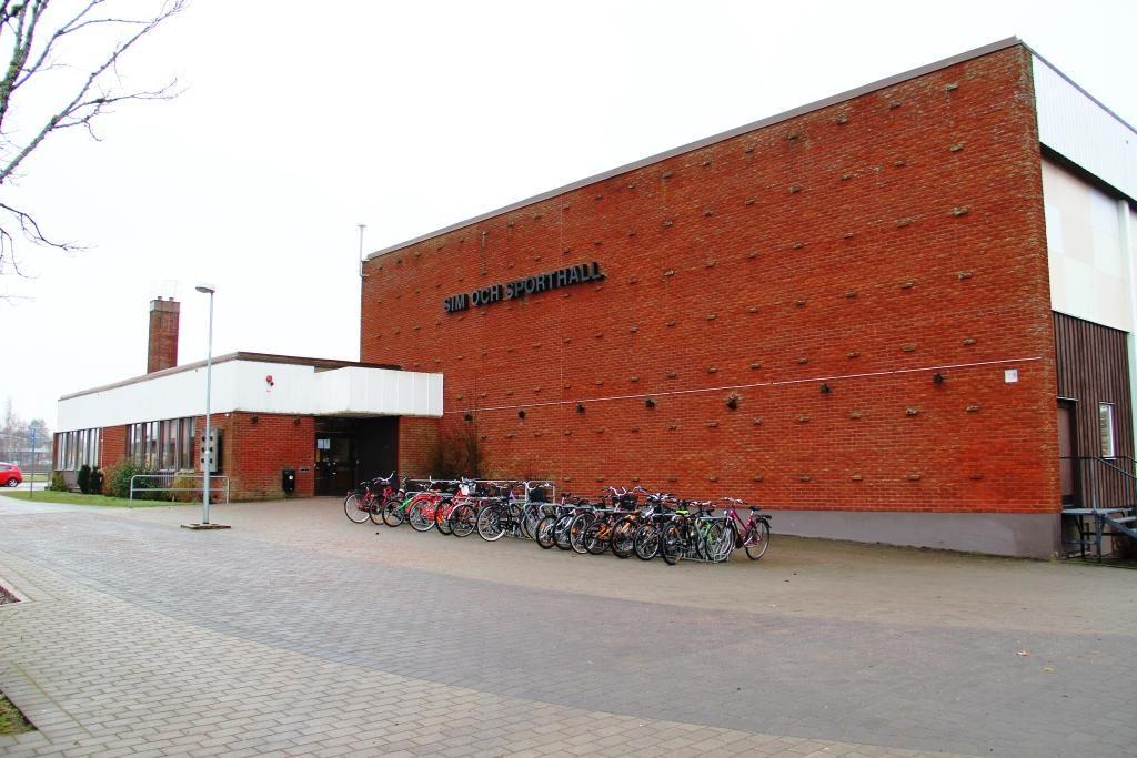 Vaggeryds kommun / Charlotta, Vaggeryd's swimming pool & sports halls