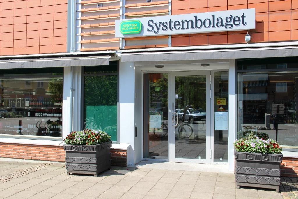 Vaggeryds kommun / Charlotta, Systembolaget - Liqour store