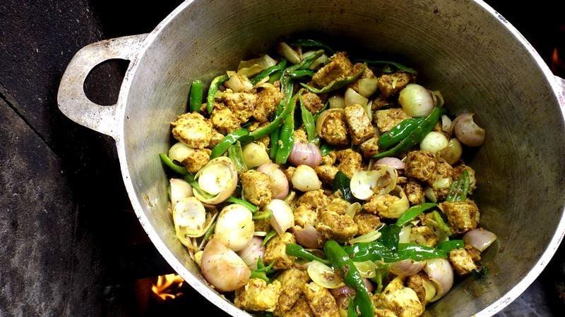 Creole cuisine: Street market and Far Far Kréol