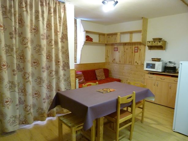 3 Rooms 5 Pers ski-in ski-out / MELEZES 46