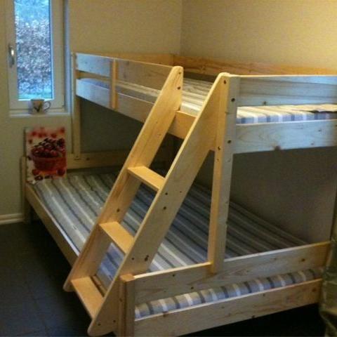 Foto: Kristina Larsson, Sovrum med våningssäng i stuga 1