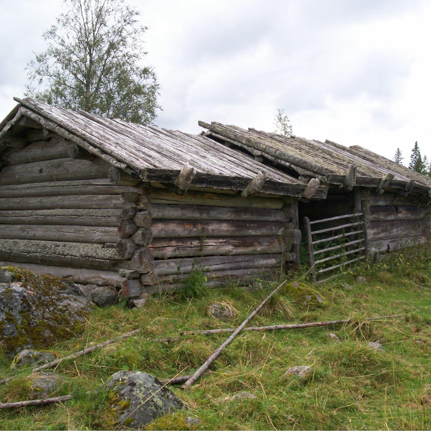 Lador på Ärteråsens Fäbodar, Furudal, Rättvik