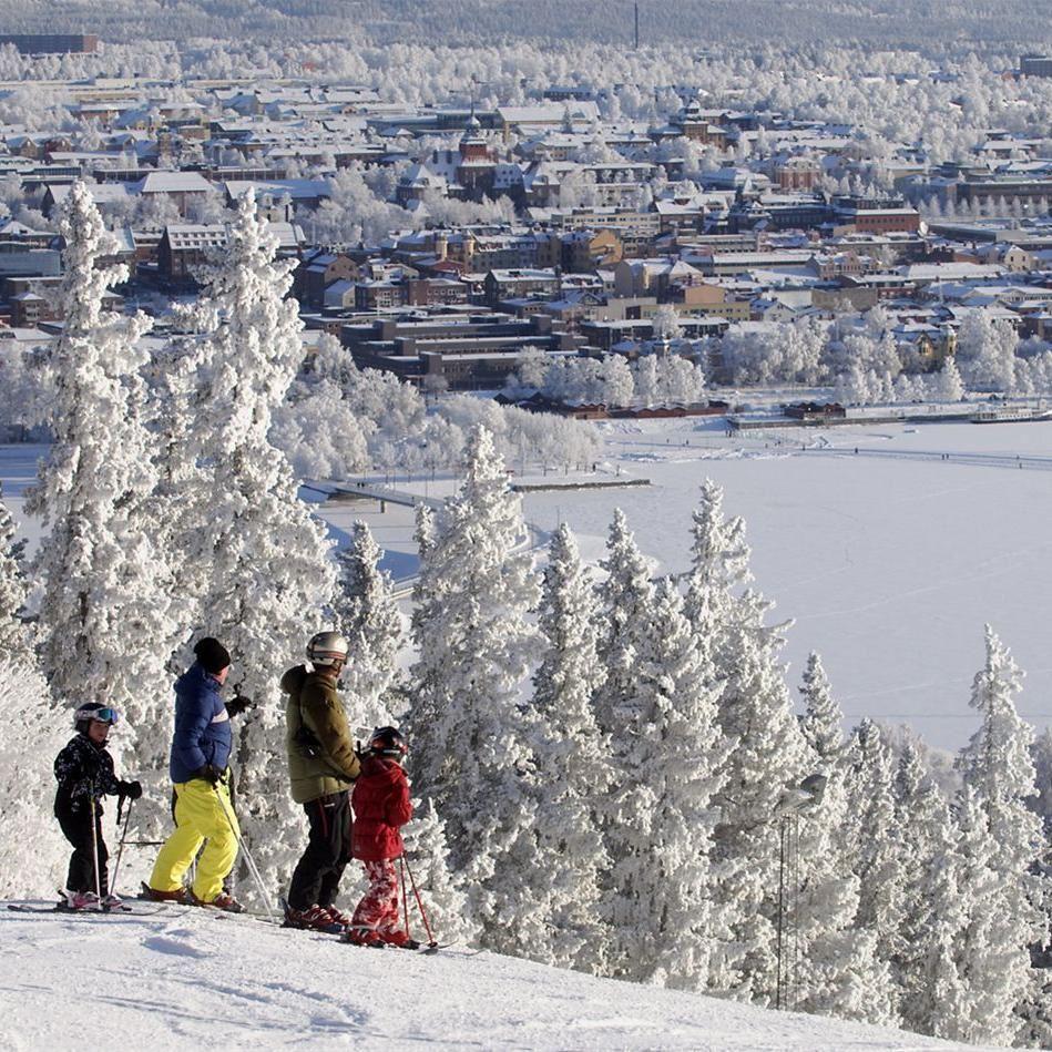 Foto: Göran Strand,  © Copy: Visit Östersund, Alpin skidåkning i Ladängen
