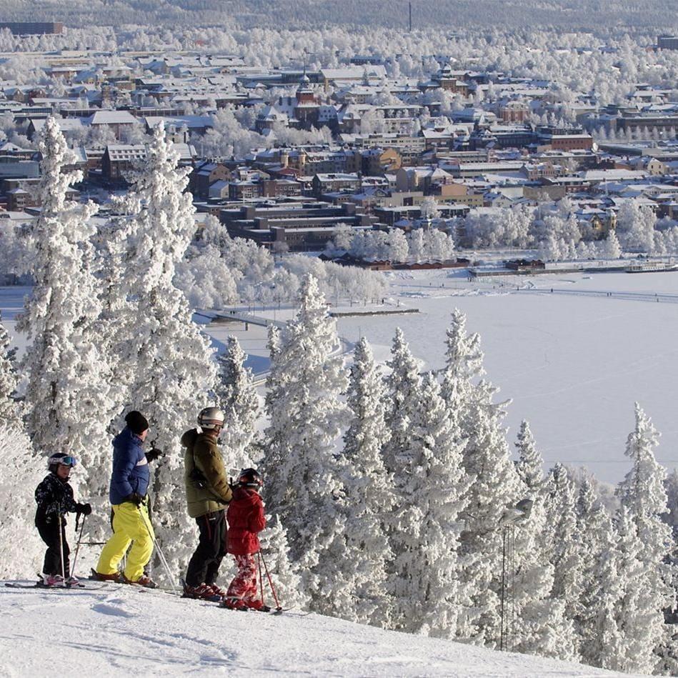 Foto: Göran Strand,  © Copy: Visit Östersund, Downhill Gustavsbergsbacken and Silverling - ski slope at Frösön